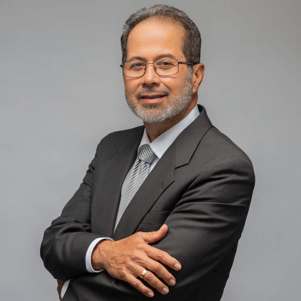 Luis Edgardo Virguez Asistente Administrativo de Inmigración Virguez Law
