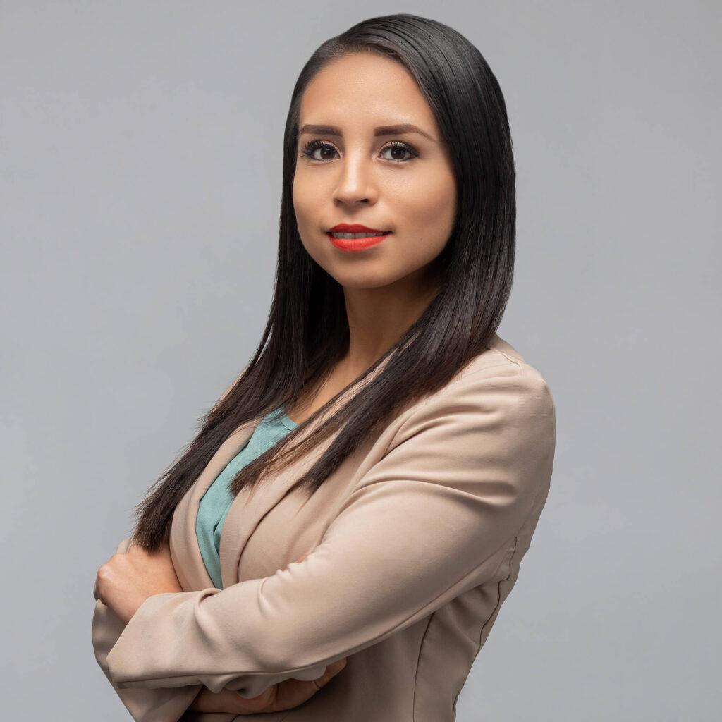 Michelle Mendez IAsistente Legal de Inmigración Virguez Law